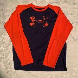 Under Armor Long Sleeved Shirt. Size Youth XL. EUC